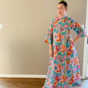 Vintage 1970s Stella Pagin Housecoat Psychedelic